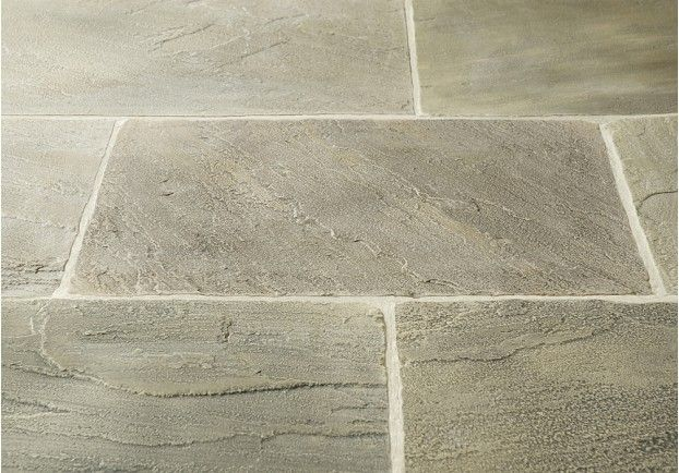 The Tudor Stone Sandstone is a traditional tile which is popularly used in older properties and traditional settings.