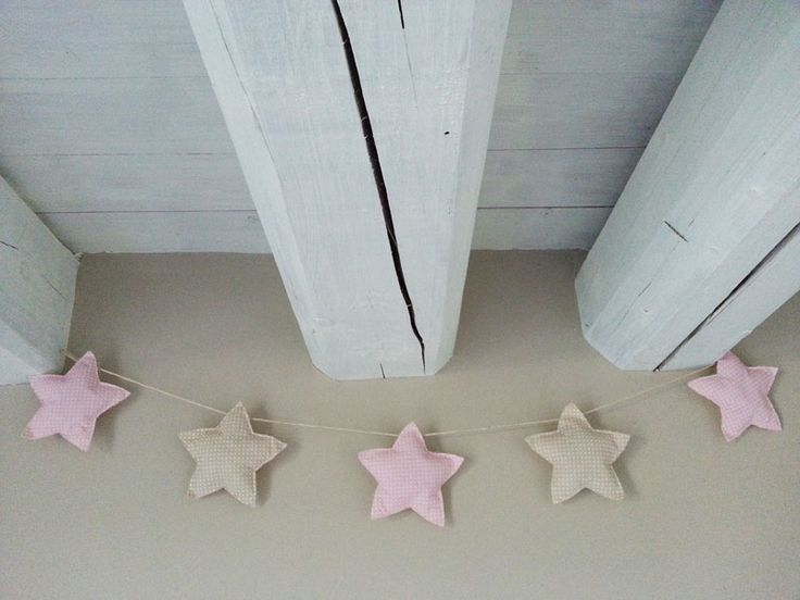 bunting di stelle in tessuto fatte a mano colori pastello baby girl - stars' bunting decorations for baby nursery, baby showers party #handmade #creativesewingproject #fabricpillow #fabricstars #nurserydecorations #homedecor #handmadewithlove #cucitocreativo #stelledistoffa #onceuponastar #bunting #buntingstelle #babyshowerdecorations #partydecorations #lovepolkadots #polkadots #stelle #stars