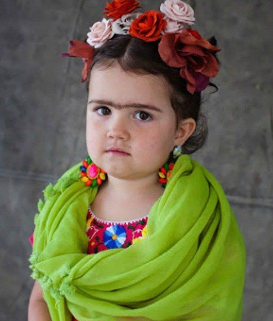 Kids dressed as Frida Kahlo: Costume ideas