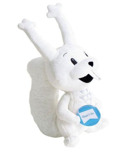 Oppi&ilo:n tuotteissa seikkaileva veikeä valkoinen Yrre-orava on ihanan pehmeä uni- ja leikkikaveri. Laadukas Teddykompanietin pehmolelu ei sisällä irtoavia osia ja sen voi pestä pesukoneessa, joten Yrre soveltuu vauvaleluksikin. Yrre kainaloon ja menoksi!