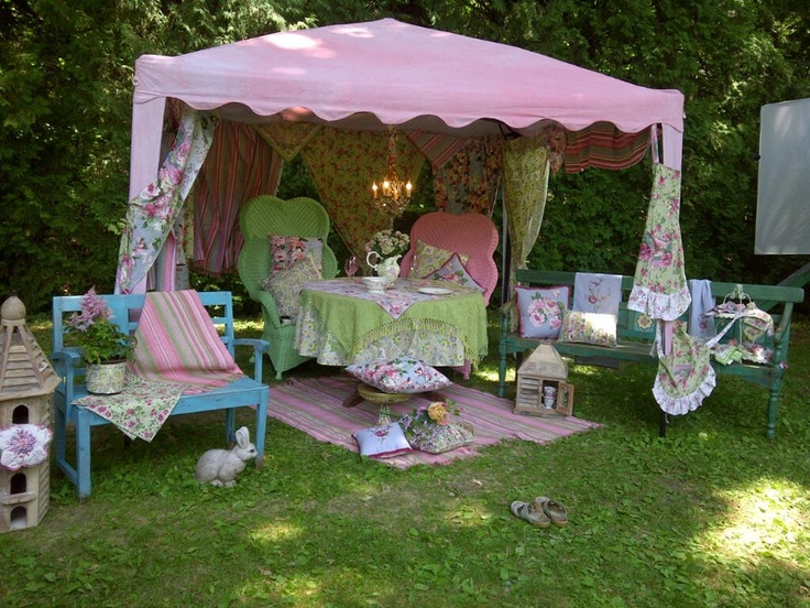 From photo shoot for april cornell 39 s gazebo collection i for Shabby chic yard