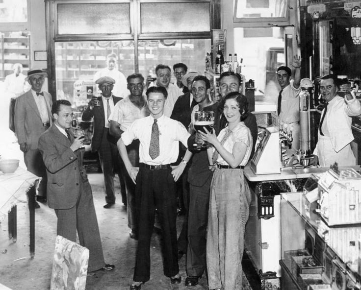 Free lunch & brews, 1933; bar downtown, end of Prohibition