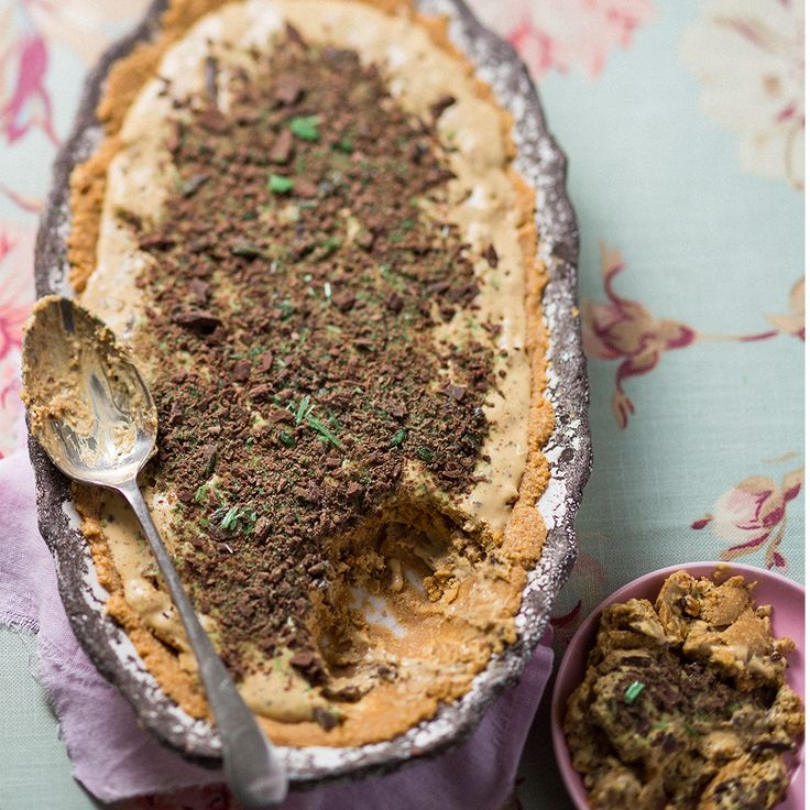 Sweet tooth? You'll love this easy peppermint crisp tart!