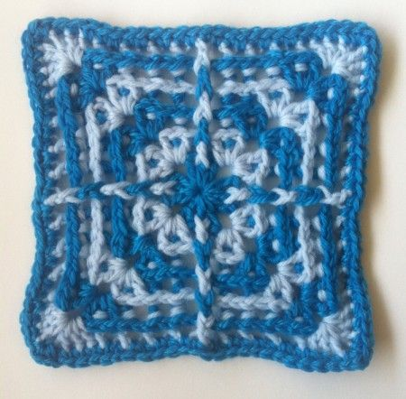 Around the Posts by Shelley Husband free pattern ༺✿ƬⱤღ  http://www.pinterest.com/teretegui/✿༻