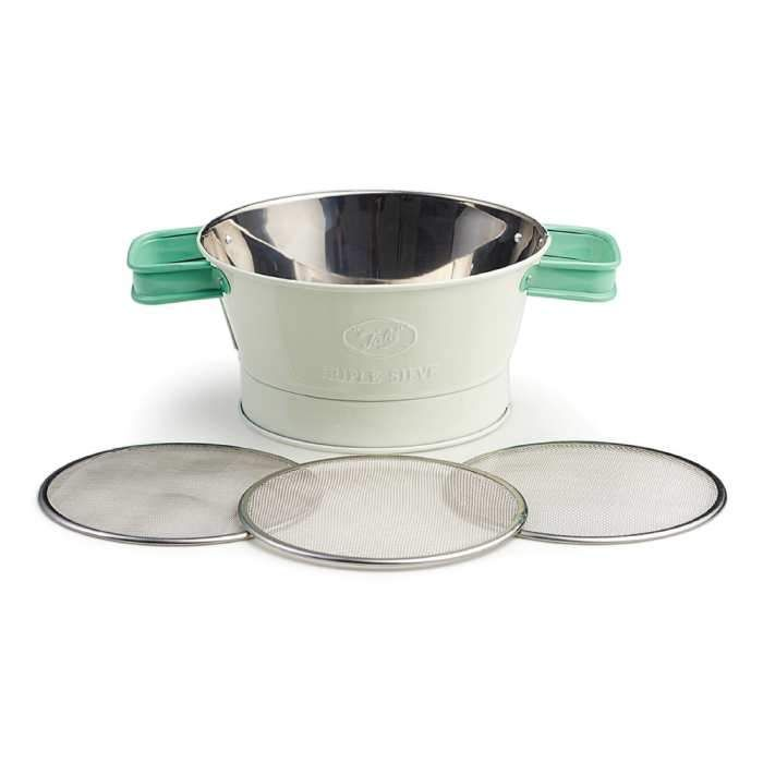 Our newest sifter has an old-fashioned look with a thoroughly modern practicality: 3 interchangeable screens (fine, medium, and coarse) for everything from sifting flour to rinsing berries or draining pasta.