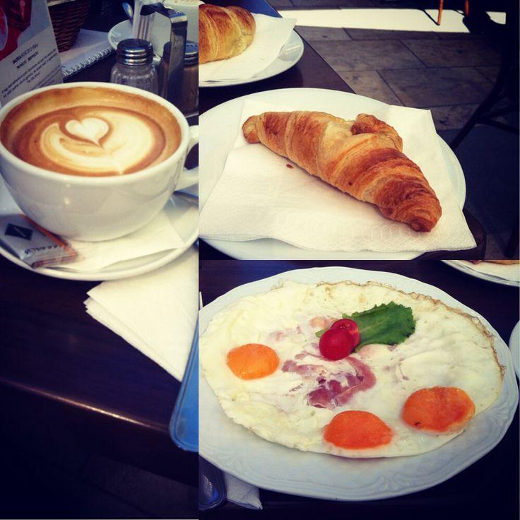 Breakfast at Café Alibi