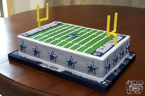 Image By The Uncommon Cakery Dallas Cowboys Field Cake Vanilla cakepins.com