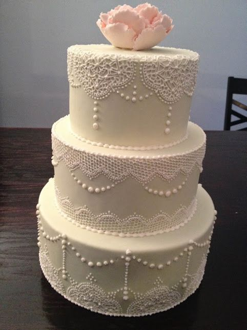 Fondant with piped lace - www.KellysCakery.com