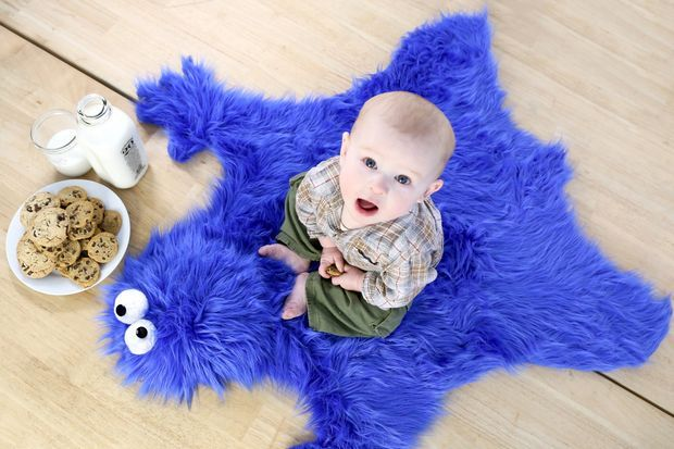 "cookie monster rug. I will be doing this with all colors. Ill be making ""monster rugs"" not just of the cookie variety lol"