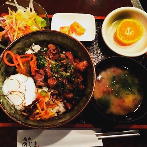 #徳島#焼肉#焼き肉#lunch#のじま#1人メシ#肉#丼#どんぶり#丼ぶり#salad#キムチ#味噌汁#orange#みかん