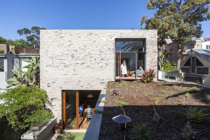Bagged Brickwork Courtyard House / Aileen Sage Architects