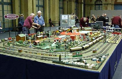 Train Track hornby   Model trains, Lionel trains layout ...
