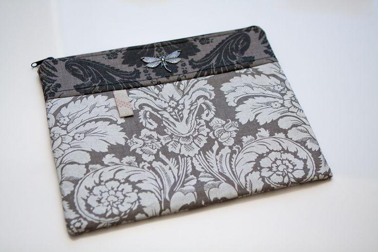 Obal na tablet http://www.dekorativnidoplnky.cz/eshop-kosmeticka-tasticka-i-obal-na-tablet-vazka-03