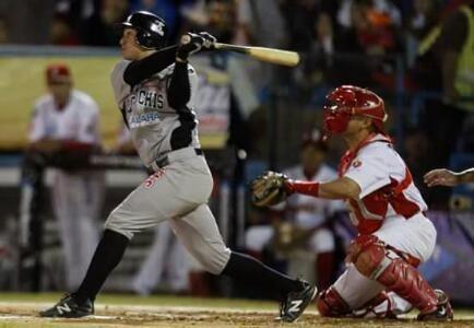 Después de los cuatro primeros juegos de play offs de la Liga Mexicana del Pacífico de Béisbol el sinaloense Fernando Inzunza, tuvo su debut...