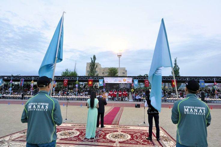 Kırgızistan'da Türk Üniversiteler Birliği Spor Oyunları İlk kez düzenlenen Türk Üniversiteler Birliği Spor Oyunları, Kırgızistan'ın başkenti Bişkek'te düzenlenen açılış töreniyle başladı. Türkiye'nin kurduğu Kırgızistan-Türkiye Manas Üniversitesinin (KTMÜ) ev sahipliğinde gerçekleşen oyunlara Türk Dili Konuşan Ülkeler İşbirliği Konseyi (Türk Keneşi) üyesi Kırgızistan, Kazakistan, Azerbaycan ve Türkiye'deki 11 üniversiteden 221 sporcu katılacak.