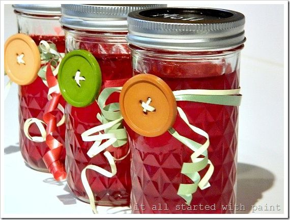 Homemade cranberry jelly....and the containers are so cute with the chalkboard lids! #12daysofchristmas