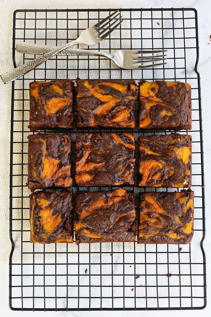 Brownies are a weakness of mine for sure. And a good marbled brownie recipe, especially one that involves pumpkin, is a good thing to have in your recipe rolodex. I don't actually have a recipe rolode
