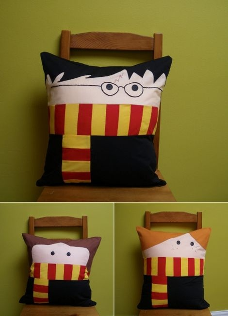 i want to make these.Sewing, Crafts Ideas, Harrypotter, Hp Pillows, Hermione Granger, Things, Diy, Christmas Ideas, Harry Potter Pillows