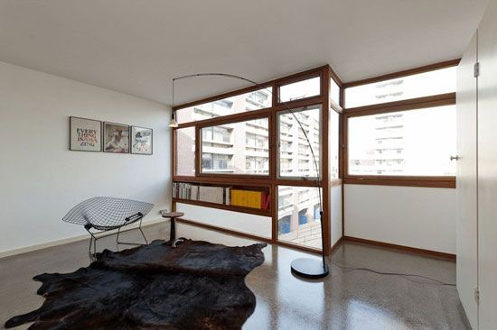 One-bedroom flat in the 1950s Golden Lane Estate, London EC1Y – in original condition