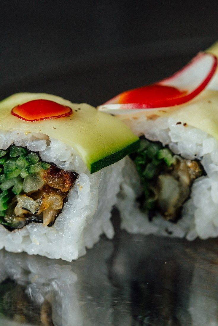 This glorious cod tempura uramaki recipe, from Sake no Hana chef Hideki Hiwatashi is full of contrasting textures and flavours.