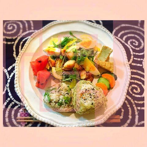 Today's breakfast is one plates of Japanese food☆ ホタテバターソテーのせ何でもサラダ、厚揚げ煮物、お漬物、スイカ。 スイカが食べ物の中で1番好きすぎる☆ 2016/05/20 #breakfast #朝食 #朝ご飯 #朝ごはん #あさごはん #お家ご飯 #おうちごはん #サラダ #ホタテバターソテー #スイカ #riceball  #おにぎり #おむすび #oneplates #ワンプレート #ワンプレートあさごはん #cooking #homemade #yuka的cooking #野菜多め #astierdevillatte #アスティエドヴィラット #アスティエ #mamarecipe #ママレシピ #和食ワンプレート #和食ごはん #和食 #和 #japanesefood