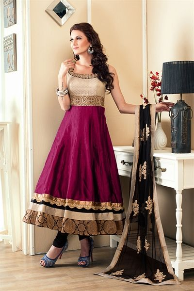 Aishwarya design studio couture latest sensual suit design 2014 for women will surely increase the charm of your party celebration. Make yourself look the beauty queen wearing this magenta and black anarkali suit crafted in cotton silk material. Neckline is engraved with is pearl and thread work. Kameez is edged with fancy lace border. This suit is accompanied with matching chudidar and dupatta.