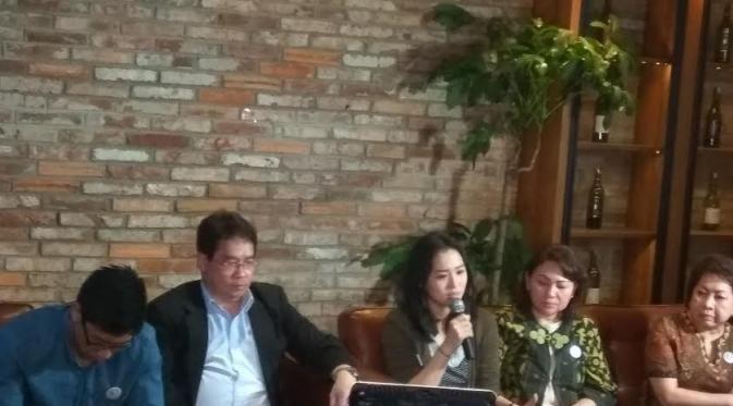 Jakarta - Keluarga Wayan Mirna Salihin tidak puas dan kecewa dengan tuntutan Jaksa Penuntut Umum (JPU) Pengadilan Negeri Jakarta Pusat t...
