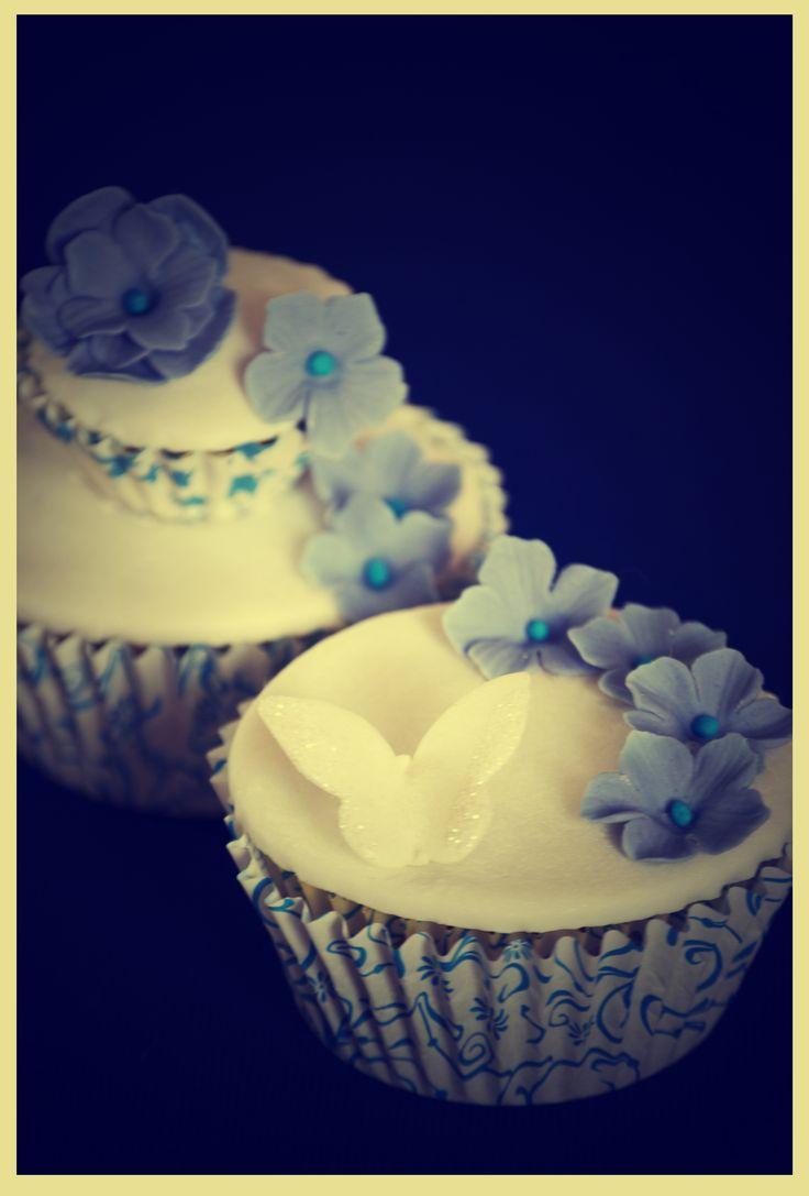Cupcakes con diseño,decorados con finos detalles hechos a mano.