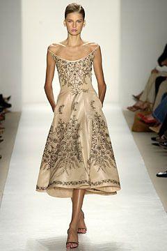 Oscar De La Renta RTW Spring 2004 Embroidered Dress