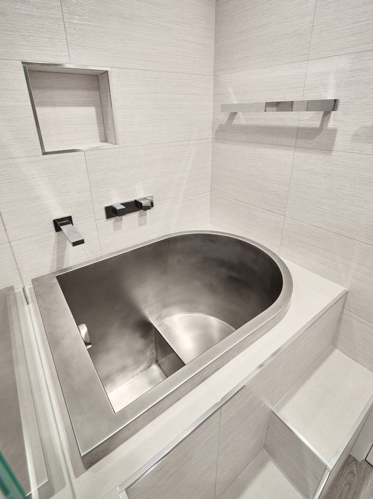 Japanese soaking tubs baths steam room bath in 2019 pinterest japanese soaking tubs for Small japanese soaking tubs small bathrooms