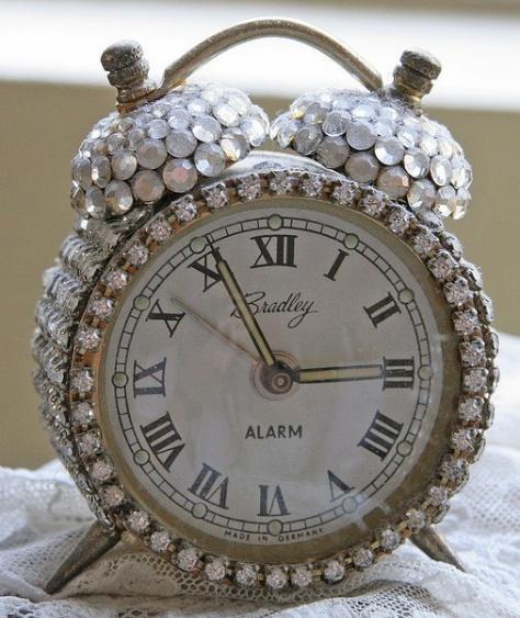 Bejeweled Vintage Clock. <3