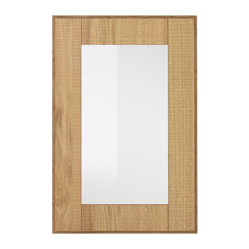 IKEA - HYTTAN, Anta a vetro, 40x60 cm, , L'anta HYTTAN ha una cornice in rovere massiccio e un pannello in impiallacciatura con finitura opaca che esalta le venature del legno. È ideale per creare una cucina dall'atmosfera calda e naturale.La cornice in legno massiccio dona stabilità all'anta, rendendola ancora più resistente e durevole.L'impiallacciatura di legno assume una tonalità più intensa e diventa ancora più bella con il passare del tempo, proprio come il legno…