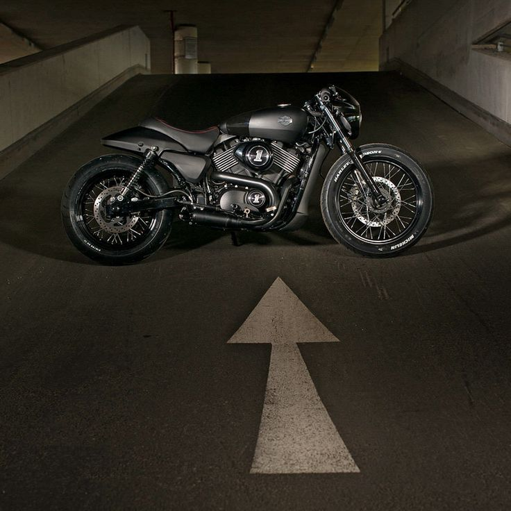 Custom Harley Street 750 built for the Battle Of The Kings competition.
