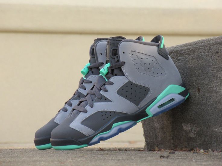 Girls Grade School Air Jordan Retro 6 'Green Glow'