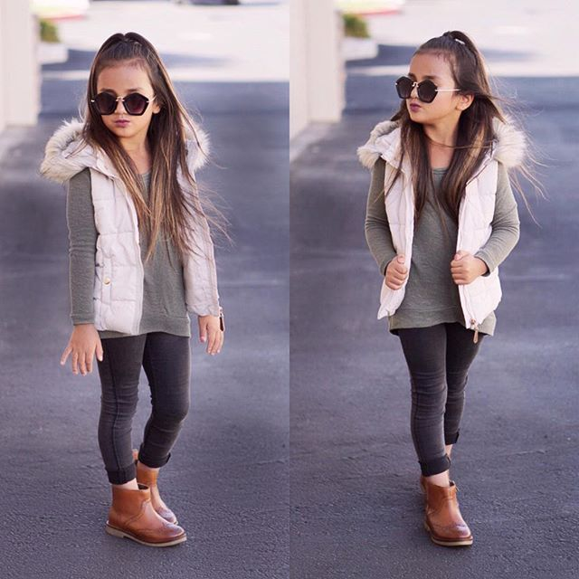 Fall series☕️ outfit #4  These booties are my FAV!!! Top @oldnavy  Vest @hm  Jeggings @oldnavy  Booties @zarakids  Sunnies @meixincouture #ootd