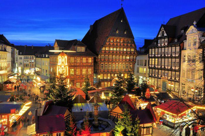 die schönsten orte der welt hansestadt hildesheim schöne aussichten über der stadt marktplatz brunnen auf dem markt weihnachtsmarkt winterzeit dezember in deutschland cooles flair