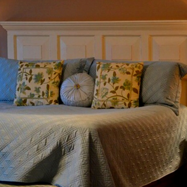 Pin by shelby klocke on rainy day crafts pinterest - Headboard made from old door ...