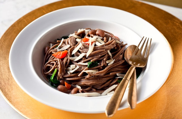 Soba With Black-Eyed Peas and SpinachHealthy Meals, Spinach Recipe, Healthy Dinners, Blackeyed Peas, Thanksgiving Recipe, Vegetarian Recipe, Soba Noodles, Black Ey Peas, Black Eye Peas