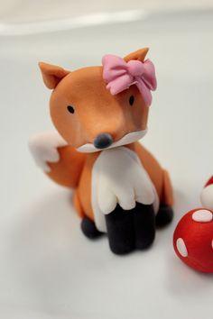 Cute fondant fox - source unknown