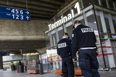 ΕΛΛΗΝΙΚΗ ΔΡΑΣΗ: Αυξημένη κινητικότητα στο Παρίσι μετά τη νέα επίθε...