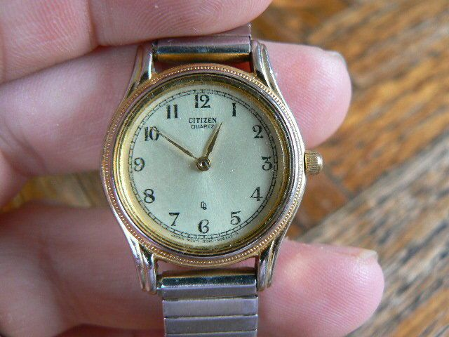 LAST CHANCE SALE Vintage Citizen Ladies watch 1977 with fresh battery