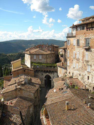 Le meraviglie dell'Umbria  Porta Ebumea, Perugia, Italy