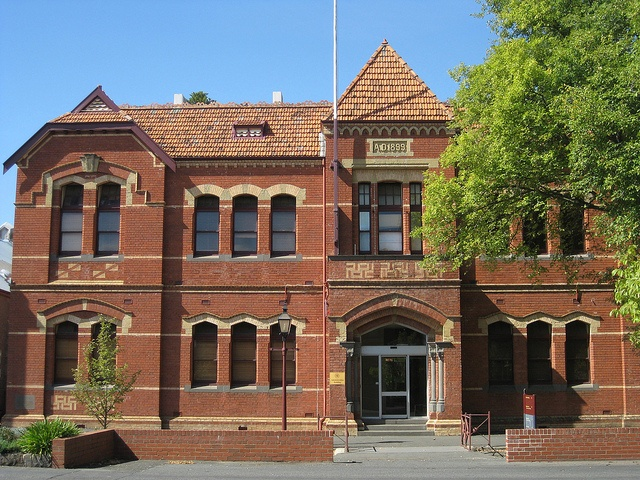 The Ballarat School of Mines & Industries (Technical And Further Education) Offices. Lydiard St Ballarat.