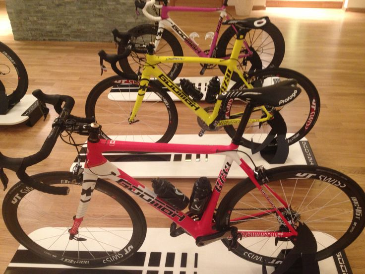 Our mistress G733 in 3 different colors.   #Goomah #cycling #procycling #roadbike #mistress