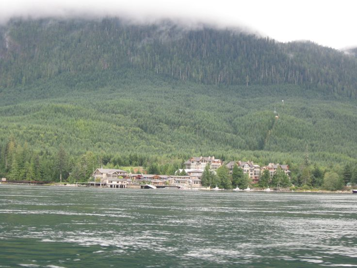 On the way to Stuart Island, this resort is (owned by Jimmy Pattison...A billionaire-extroidonairre.. here..) a fishing resort