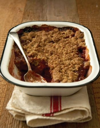 Quince and raspberry crumble
