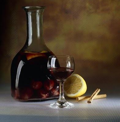 """""""Matar judíos""""  es una costumbre de la Semana Santa leonesa, consistente en acudir a los bares y tabernas del Barrio Húmedo leonés a beber Limonada, (Bebida similar a la sangría)."""