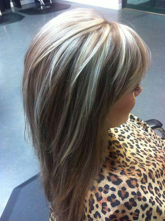 Everyone loves this icy blonde with beige low-lights