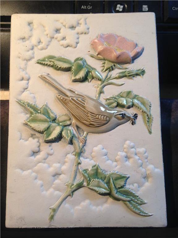 Jie keramiktavla landskapsfågel Västmanland, lövsångare, design Staffan Johnson