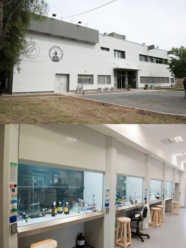 Inauguración del laboratorio Max Planck de Biología Estructural, Química y Biofísica Molecular de Rosario, una inversión superior a los 20 millones de pesos. El laboratorio, de 1.500 metros cuadrados de superficie, está ubicado en el predio de la Ciudad Universitaria de Rosario y cuenta con equipamiento de última generación. Su puesta en funciones convirtió a la ciudad de Rosario en el segundo nodo de la Sociedad Max Planck de Alemania en Latinoamérica.